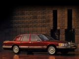 Lincoln Town Car 1992–94 photos