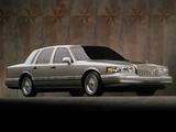 Lincoln Town Car 1994–97 photos