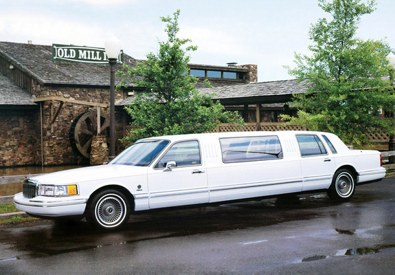 Lincoln Town Car 85 J Limousine By Federal Coach 1991 Wallpapers