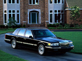 Photos of Lincoln Town Car 1994–97