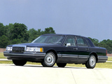 Photos of Lincoln Town Car 1992–94