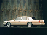 Photos of Lincoln Town Car 1994–97