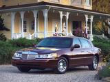Photos of Lincoln Town Car 1998–2003