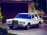 Pictures of Lincoln Town Car 1985–89