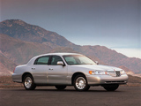 Pictures of Lincoln Town Car 1998–2003