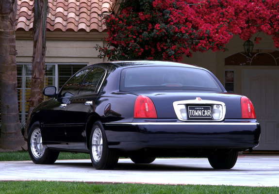 Lincoln Town Car 1998 2003 Wallpapers