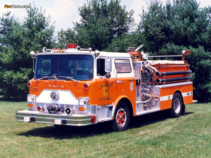 Car And Truck >> Mack CF Firetruck 1967–90 images (800x600)