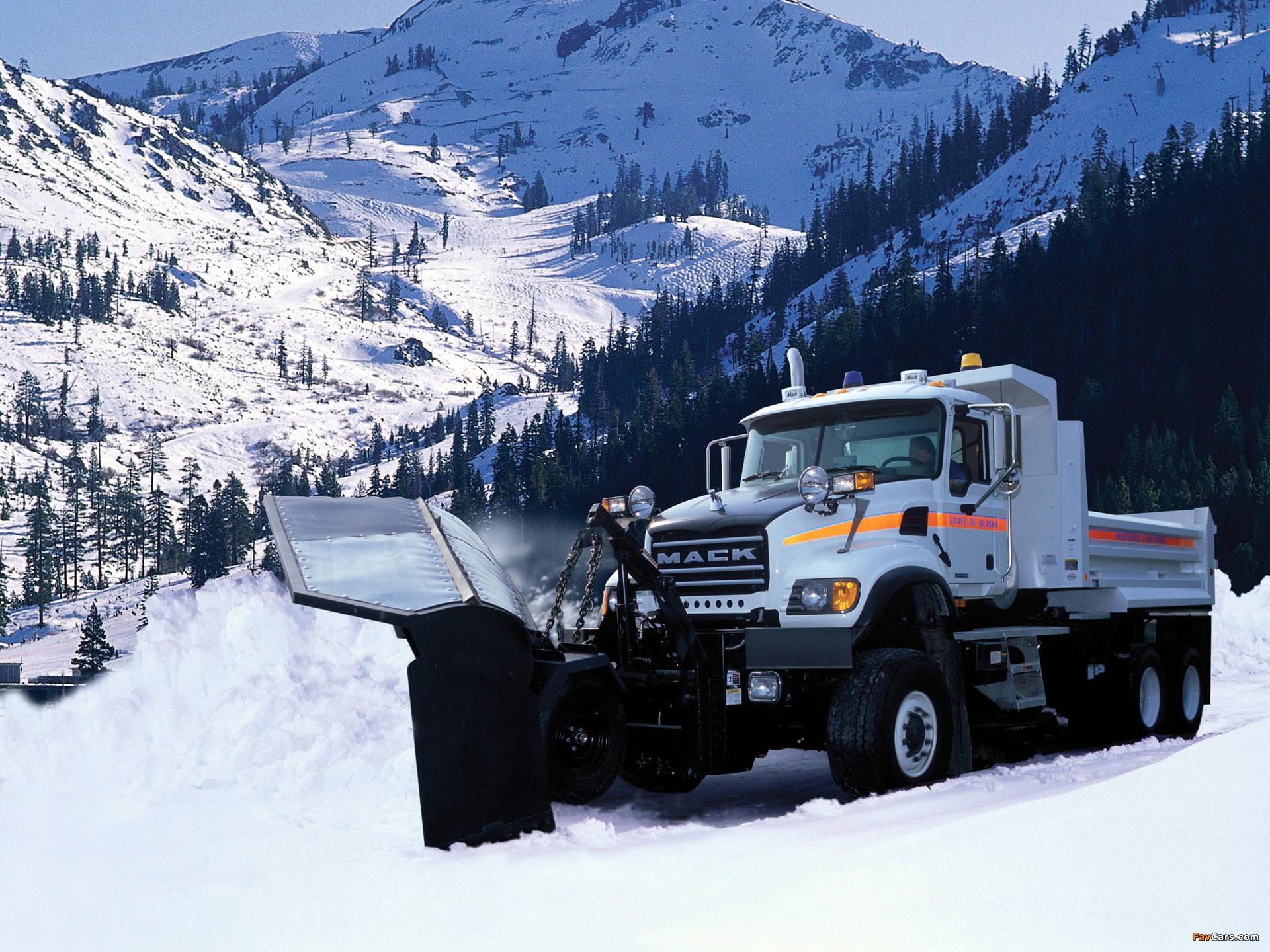 Mack Granite 6x4 Dump Truck 2002 wallpapers (1920 x 1440)