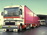 Mack Magnum 1999–2003 pictures
