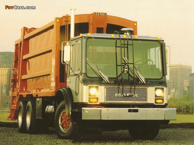 Photos of Mack MR Rolloffcon 1978–2007 (640 x 480)