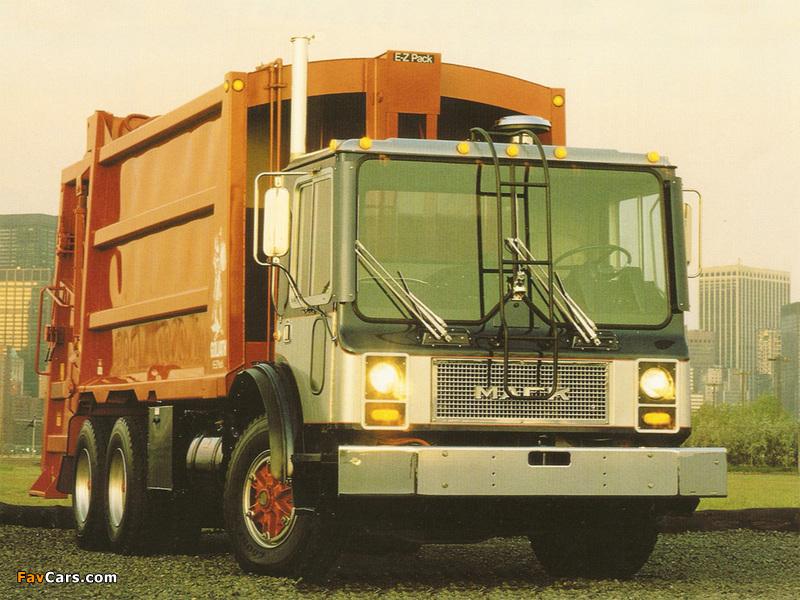 Photos of Mack MR Rolloffcon 1978–2007 (800 x 600)
