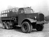 Photos of Mack NM3 1939–42