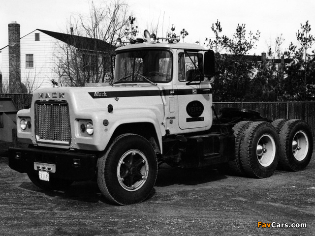 Pictures of Mack R700 1965–90 (640 x 480)