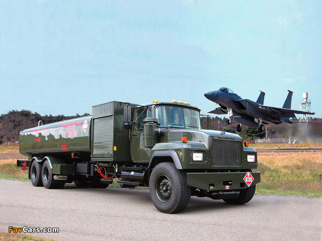 Mack RD600 Tanker 1990–2004 wallpapers (640 x 480)