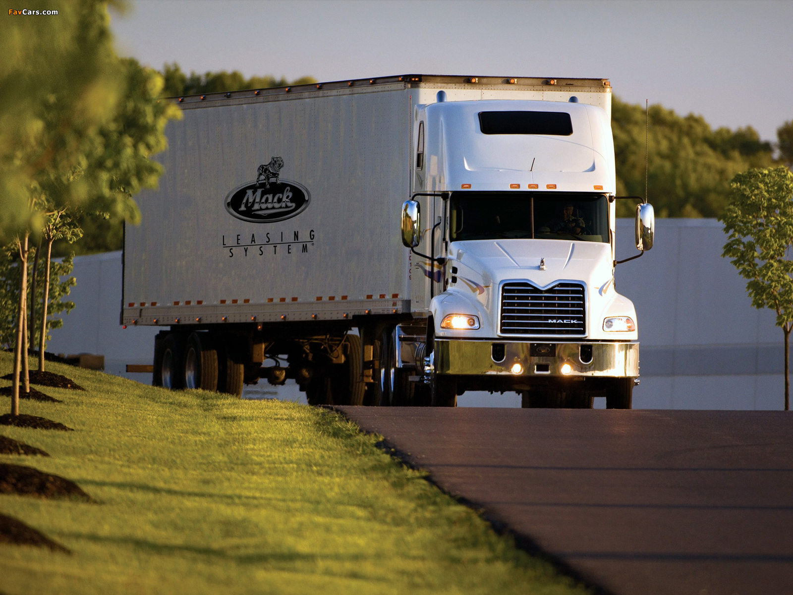 Pictures of Mack Vision 6x4 2000 (1600 x 1200)