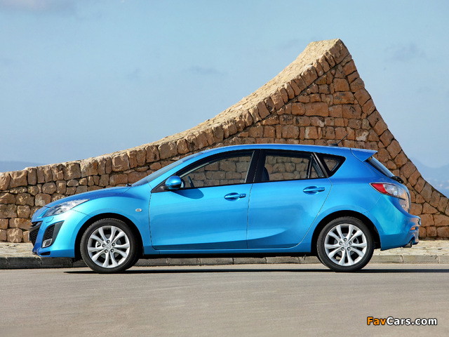 Mazda 3 Hatchback 2009–11 wallpapers (640 x 480)