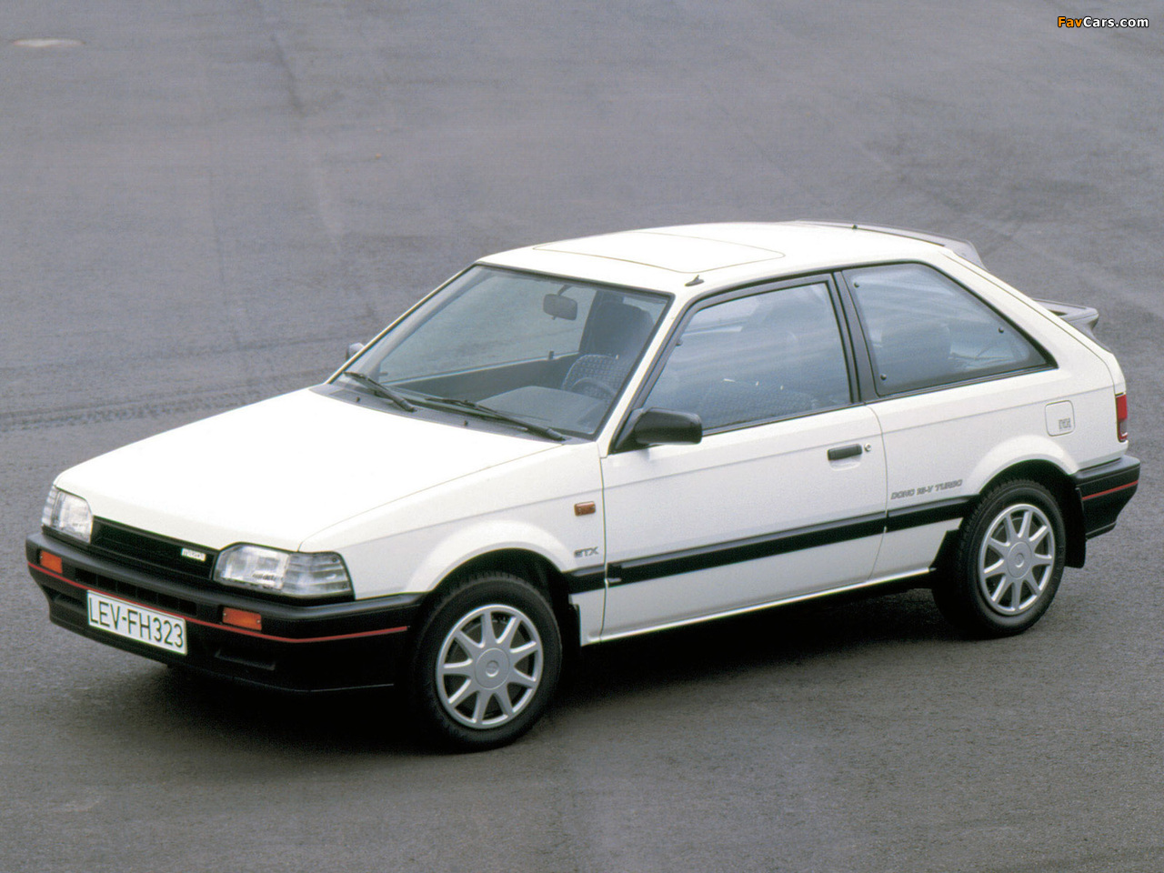 Images of Mazda 323 GT (BF) 1985–89 (1280 x 960)