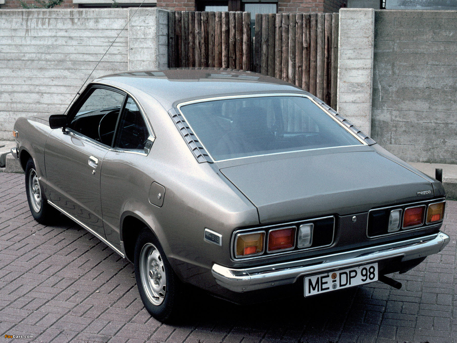 Mazda 818 Coupe 1975–77 wallpapers (1600 x 1200)