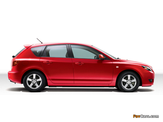 Mazda Axela Sport 20C 2003–08 wallpapers (640 x 480)