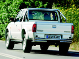 Images of Mazda B2500 Extended Cab 2003–06