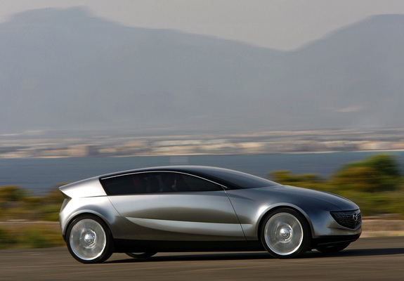https://img.favcars.com/mazda/concepts/pictures_mazda_concepts_2005_1_b.jpg
