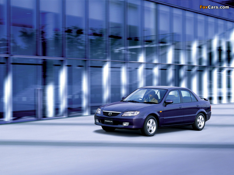 Mazda Familia RS Sedan 2000–03 photos (800 x 600)