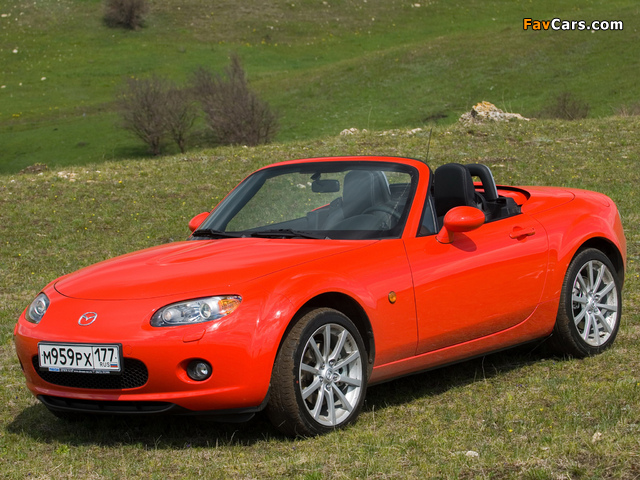 Mazda MX-5 Roadster-Coupe (NC) 2005–08 wallpapers (640 x 480)