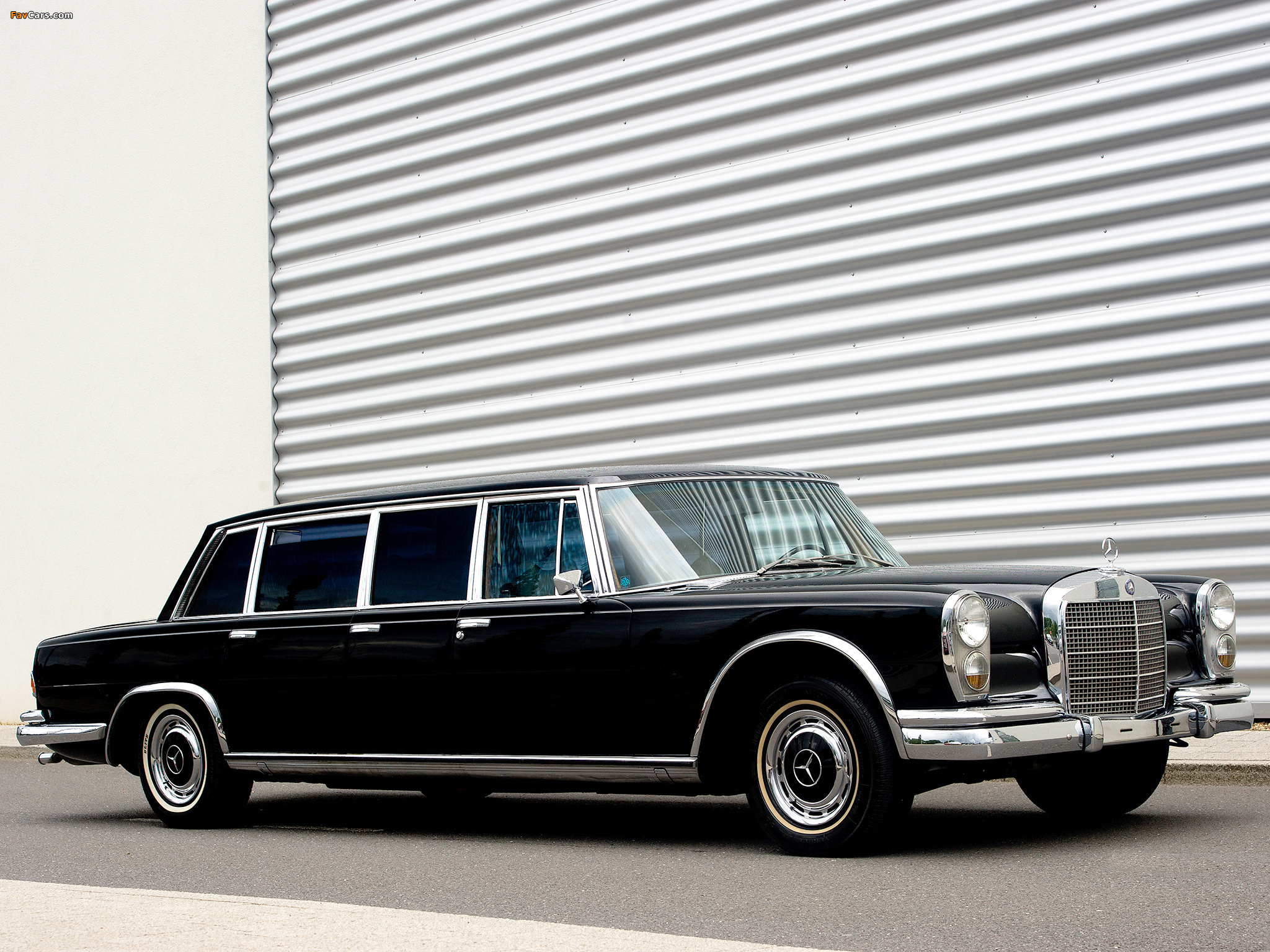 Mercedes benz 600 6 door pullman limousine w100 1964 81 for Mercedes benz limo