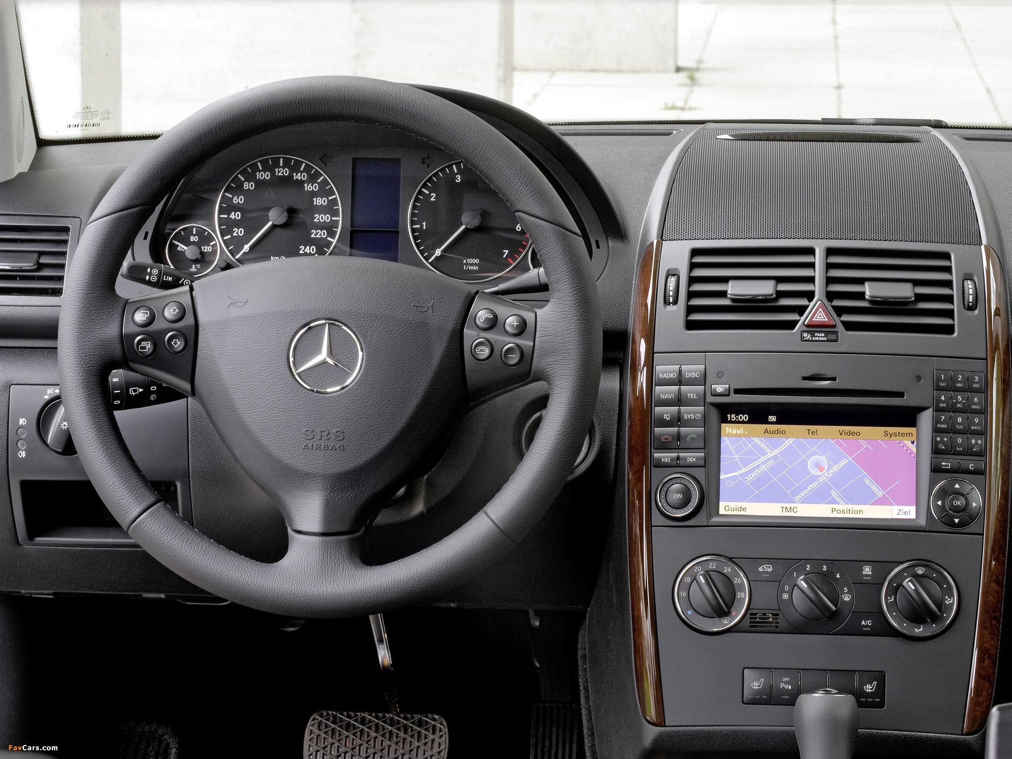 Mercedes-Benz A 170 5-door (W169) 2008 images (2048 x 1536)