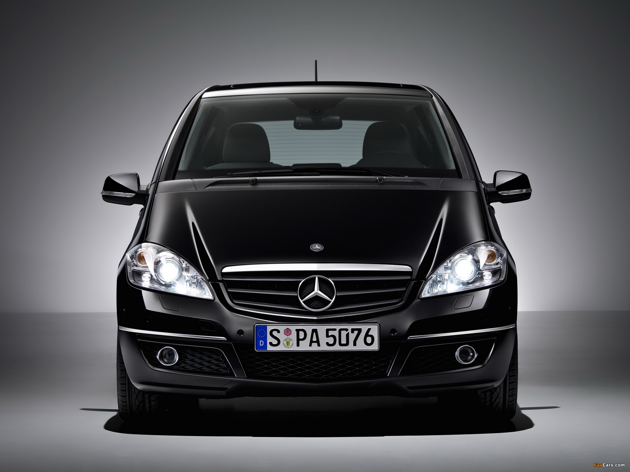 mercedes benz a klasse special edition w169 2009 pictures 2048x1536. Black Bedroom Furniture Sets. Home Design Ideas