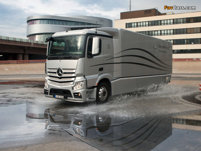 Mercedes-Benz Actros Aerodynamic Truck Concept 2012 images (640 x 480)