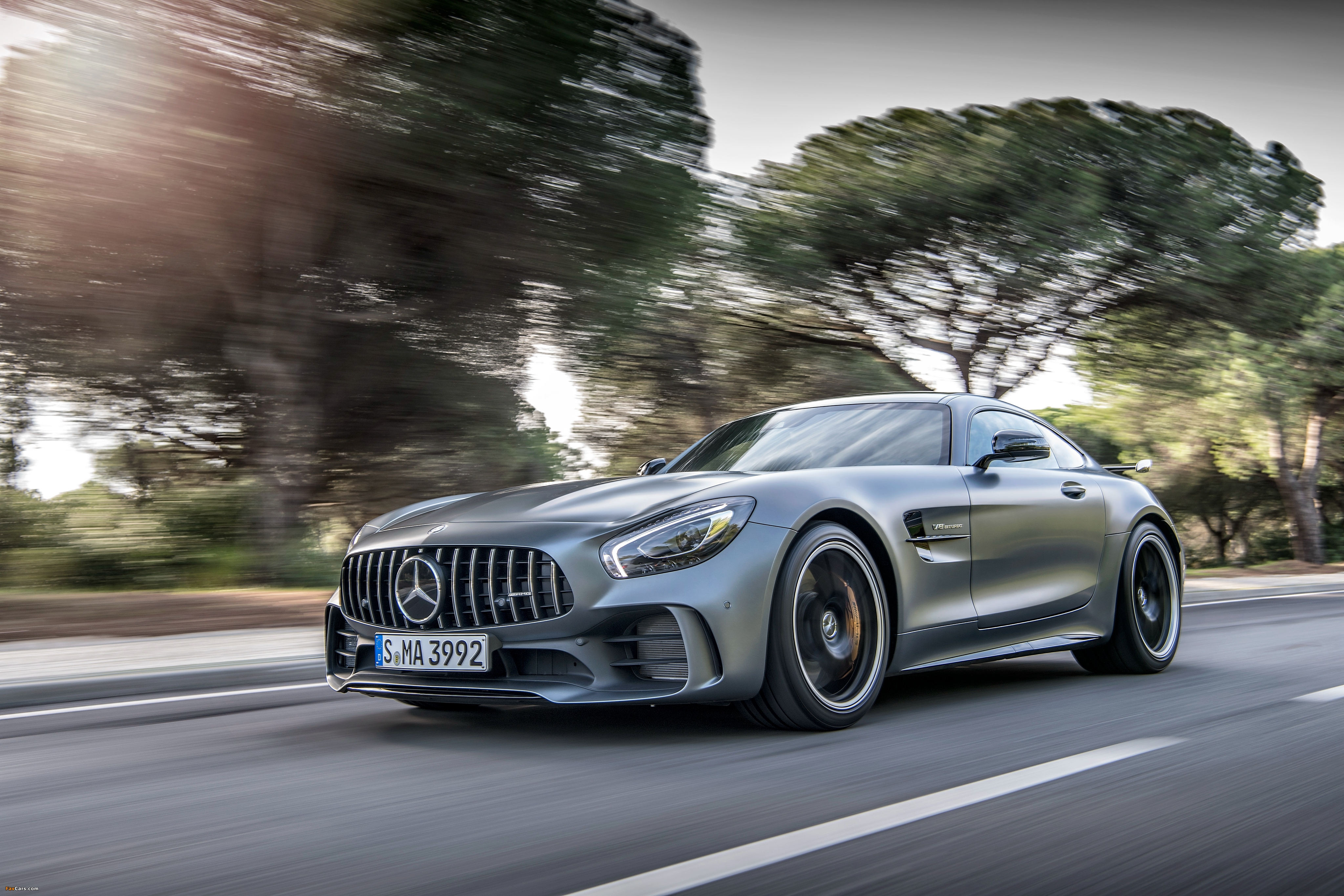 Mercedes-AMG GT R (C190) 2016 pictures (4096 x 2731)