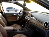 Photos of Mercedes-Benz B 180 CDI BlueEfficiency (W246) 2011