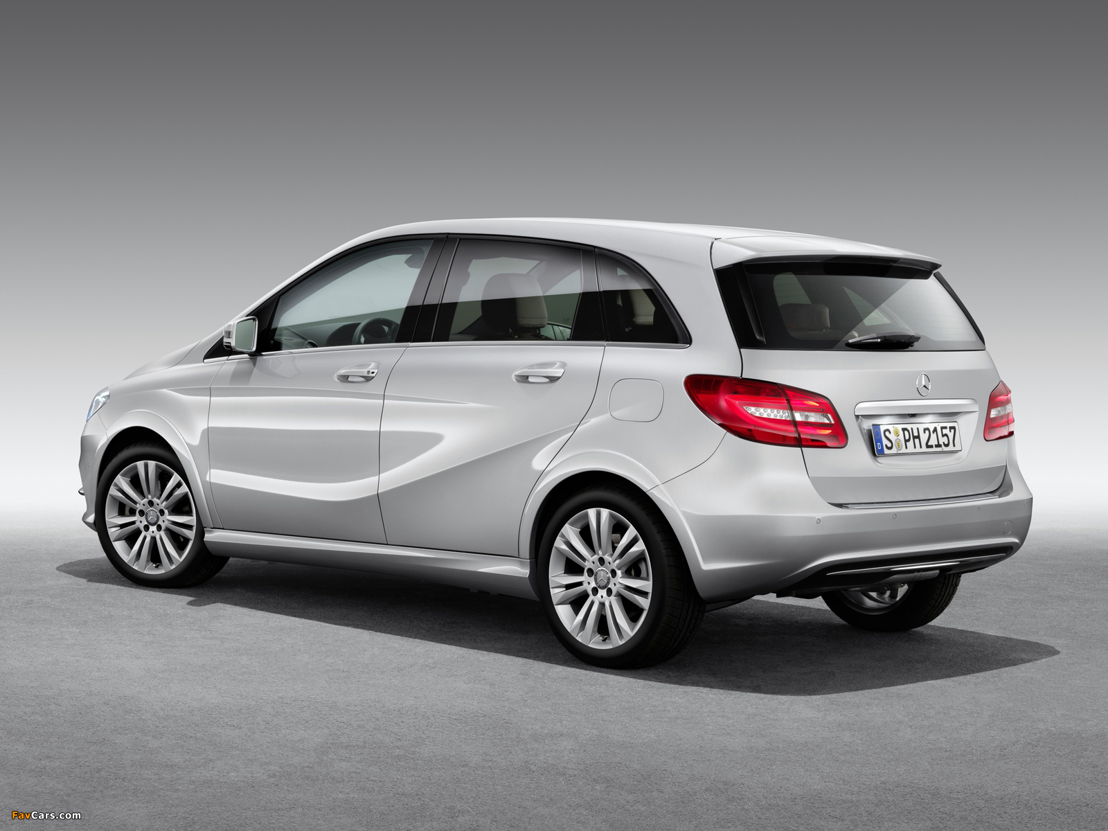 Photos of Mercedes-Benz B 200 CNG (W246) 2013 (1600 x 1200)