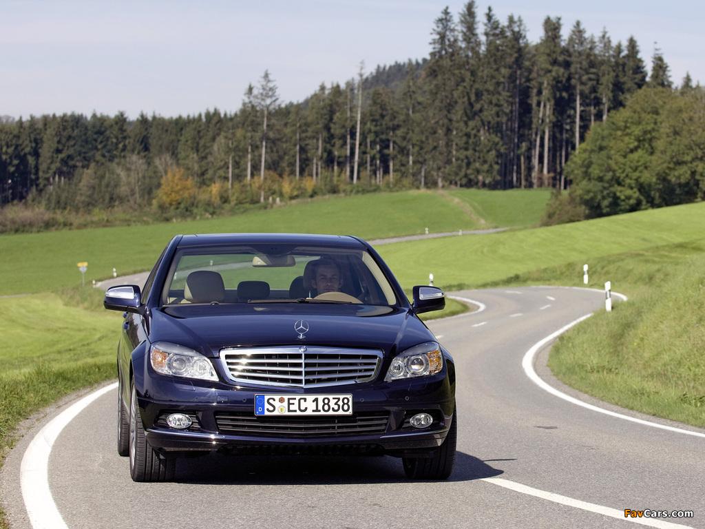 Images of Mercedes-Benz C 350 4MATIC (W204) 2007–11 (1024 x 768)
