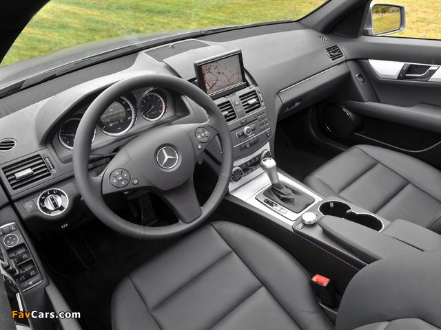 Images of Mercedes-Benz C 300 Sport US-spec (W204) 2010–11 (640 x 480)