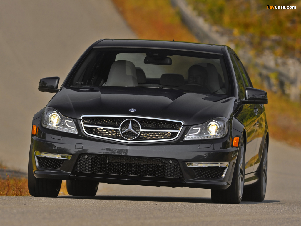Images of Mercedes-Benz C 63 AMG US-spec (W204) 2011 (1024 x 768)