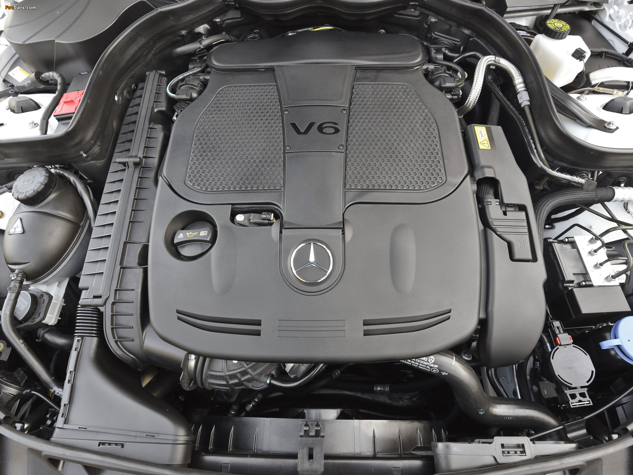 Images of Mercedes-Benz C 300 4MATIC AMG Sports Package US-spec (W204) 2011 (2048 x 1536)