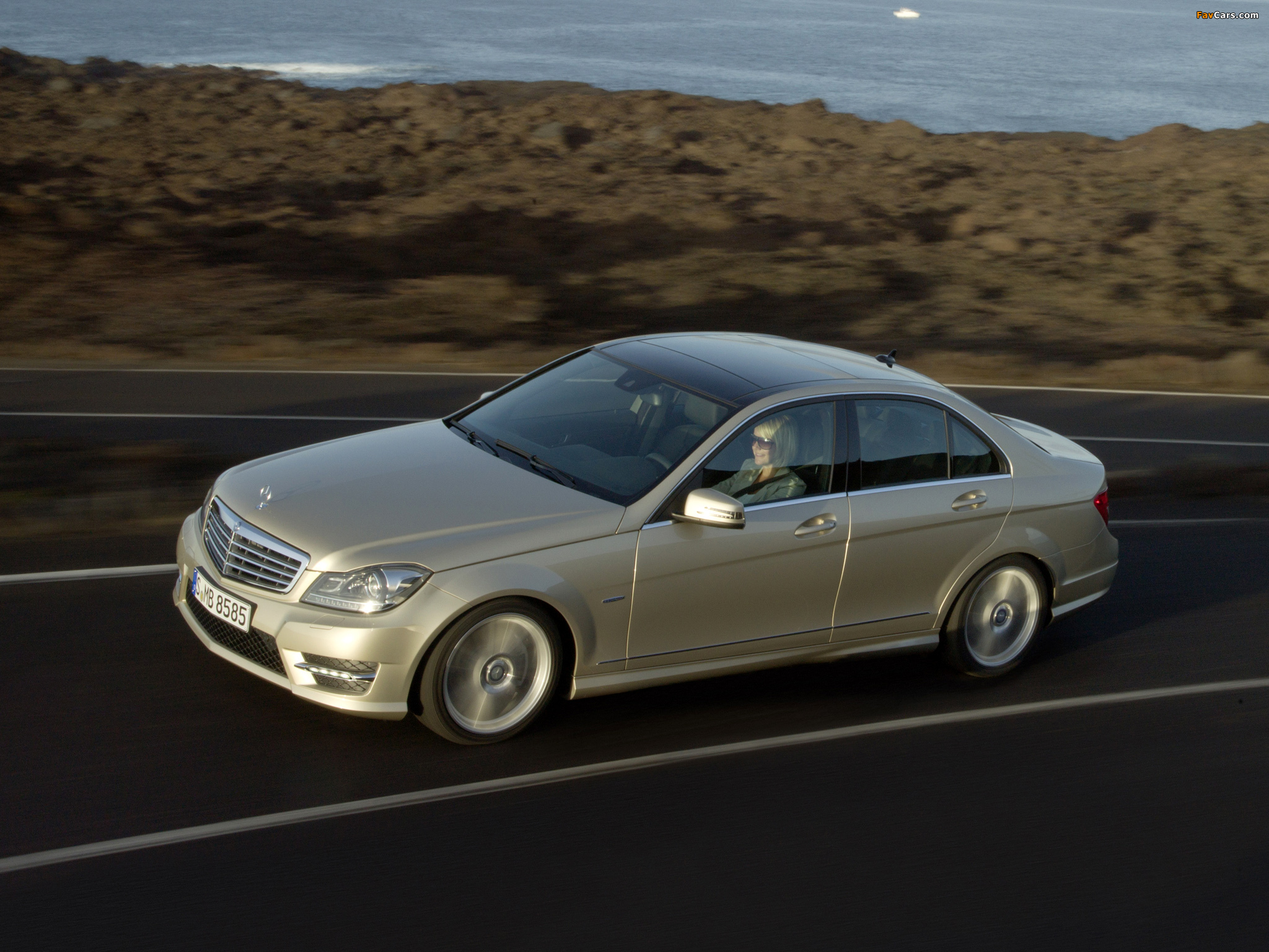 Images of Mercedes-Benz C 350 AMG Sports Package (W204) 2011 (2048 x 1536)
