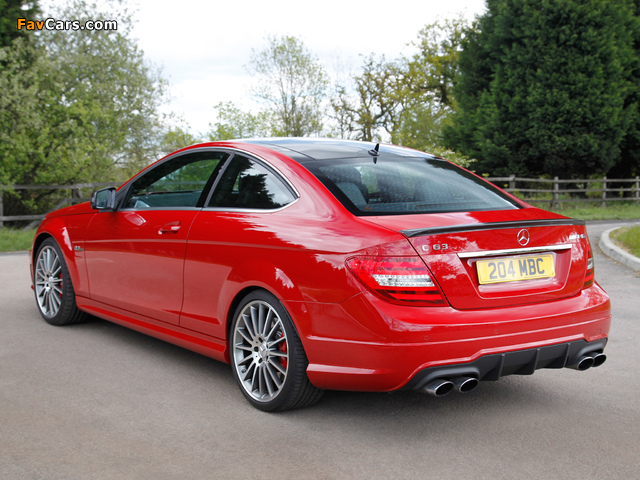 Images of Mercedes-Benz C 63 AMG Coupe UK-spec (C204) 2011 (640 x 480)