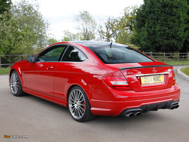 Images of Mercedes-Benz C 63 AMG Coupe UK-spec (C204) 2011 (800 x 600)