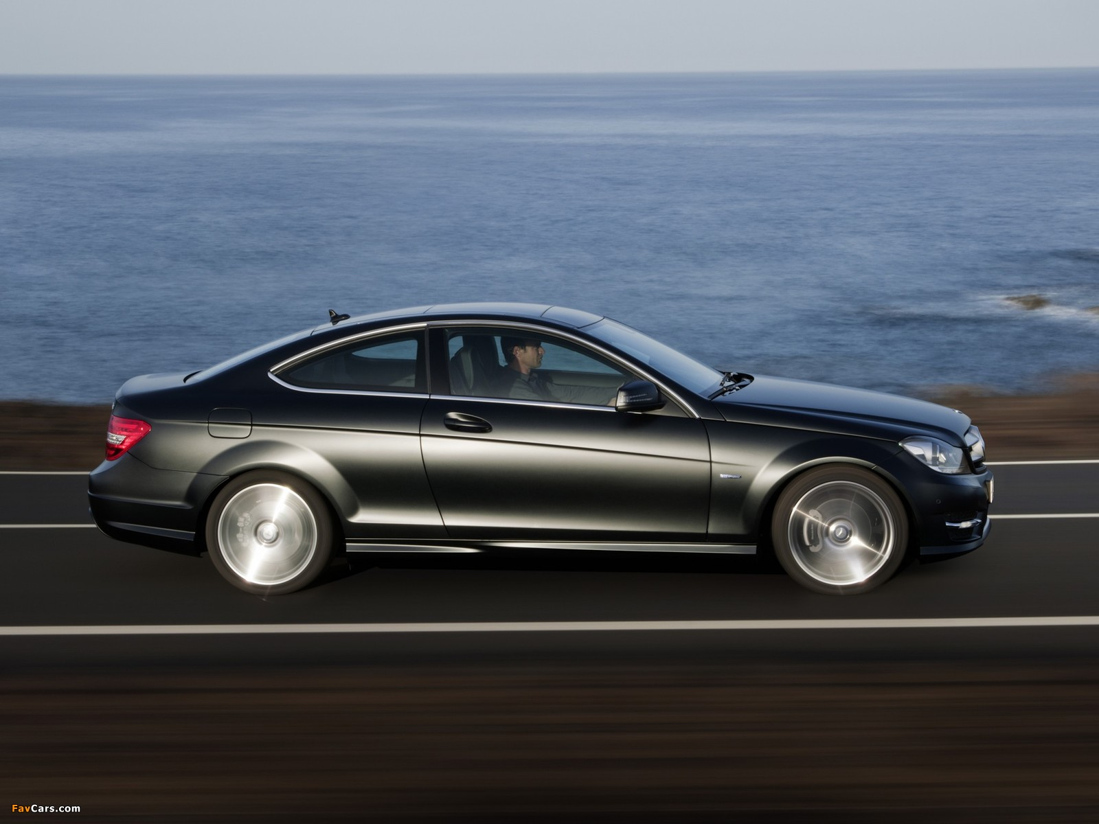 Images of Mercedes-Benz C 250 CDI Coupe (C204) 2011 (1600 x 1200)