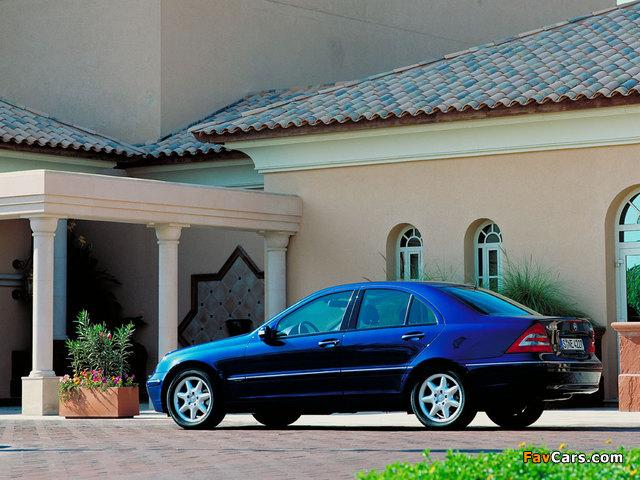 Mercedes-Benz C 270 CDI (W203) 2000–05 images (640 x 480)