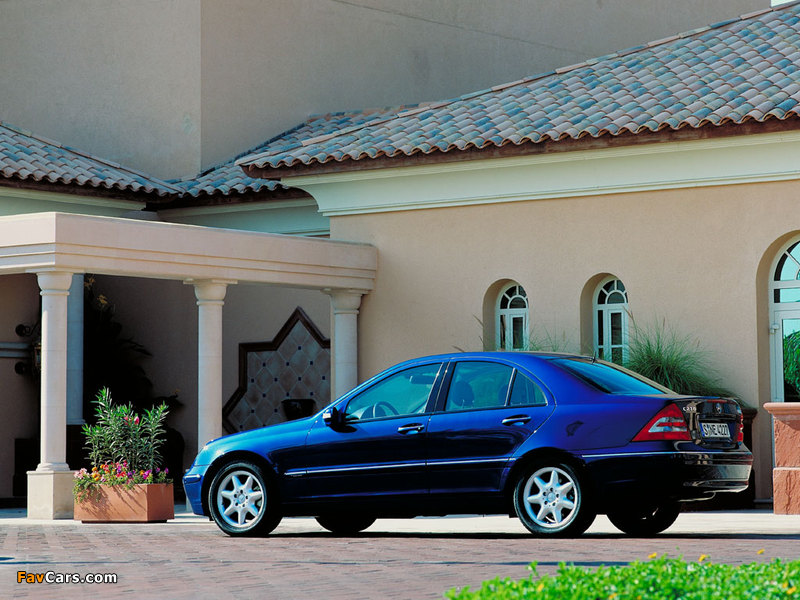 Mercedes-Benz C 270 CDI (W203) 2000–05 images (800 x 600)