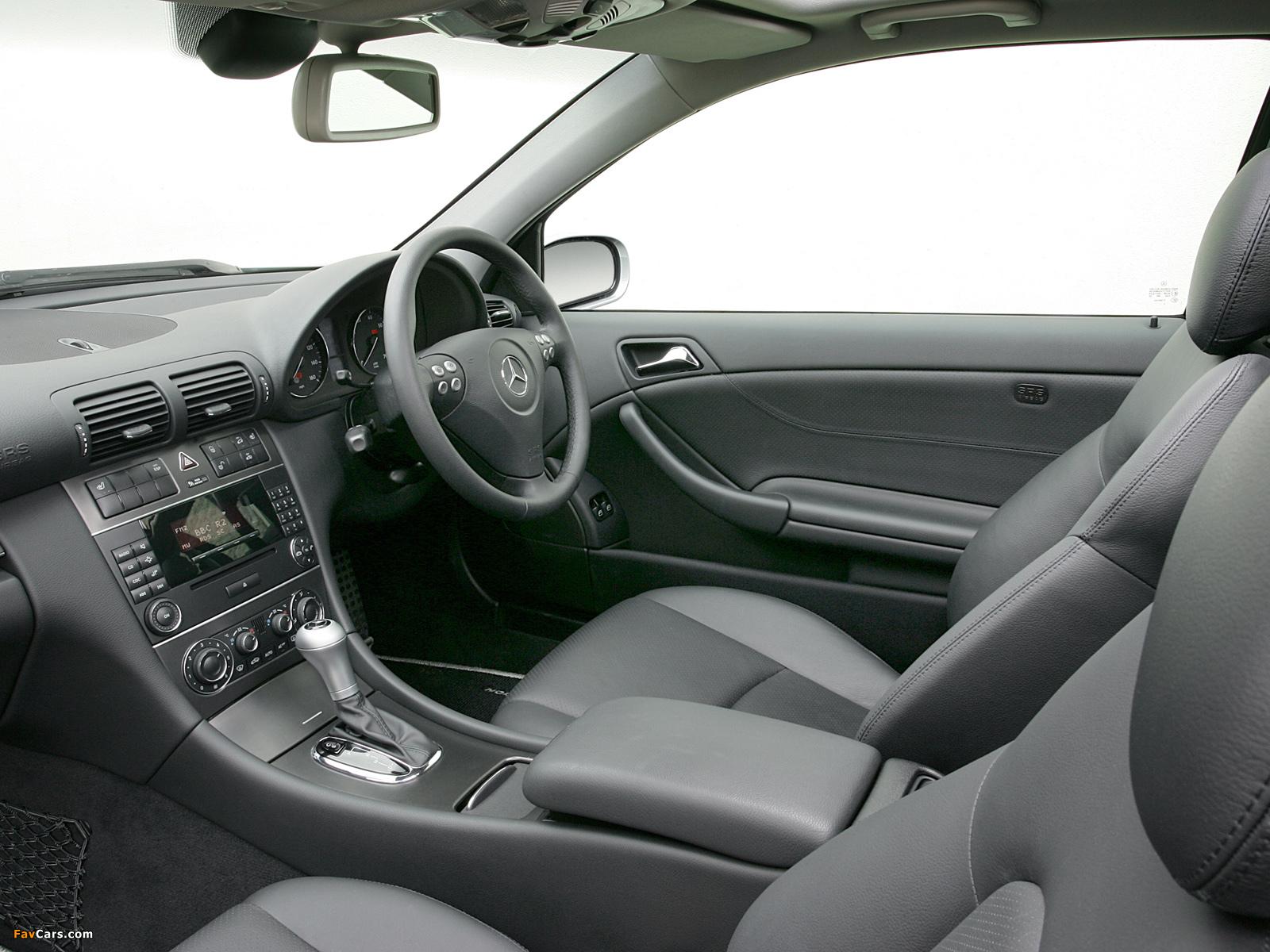 Mercedes-Benz C 320 Sportcoupe UK-spec (C203) 2005–07 photos (1600 x 1200)