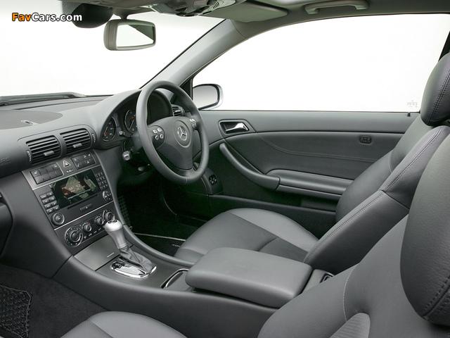 Mercedes-Benz C 320 Sportcoupe UK-spec (C203) 2005–07 photos (640 x 480)