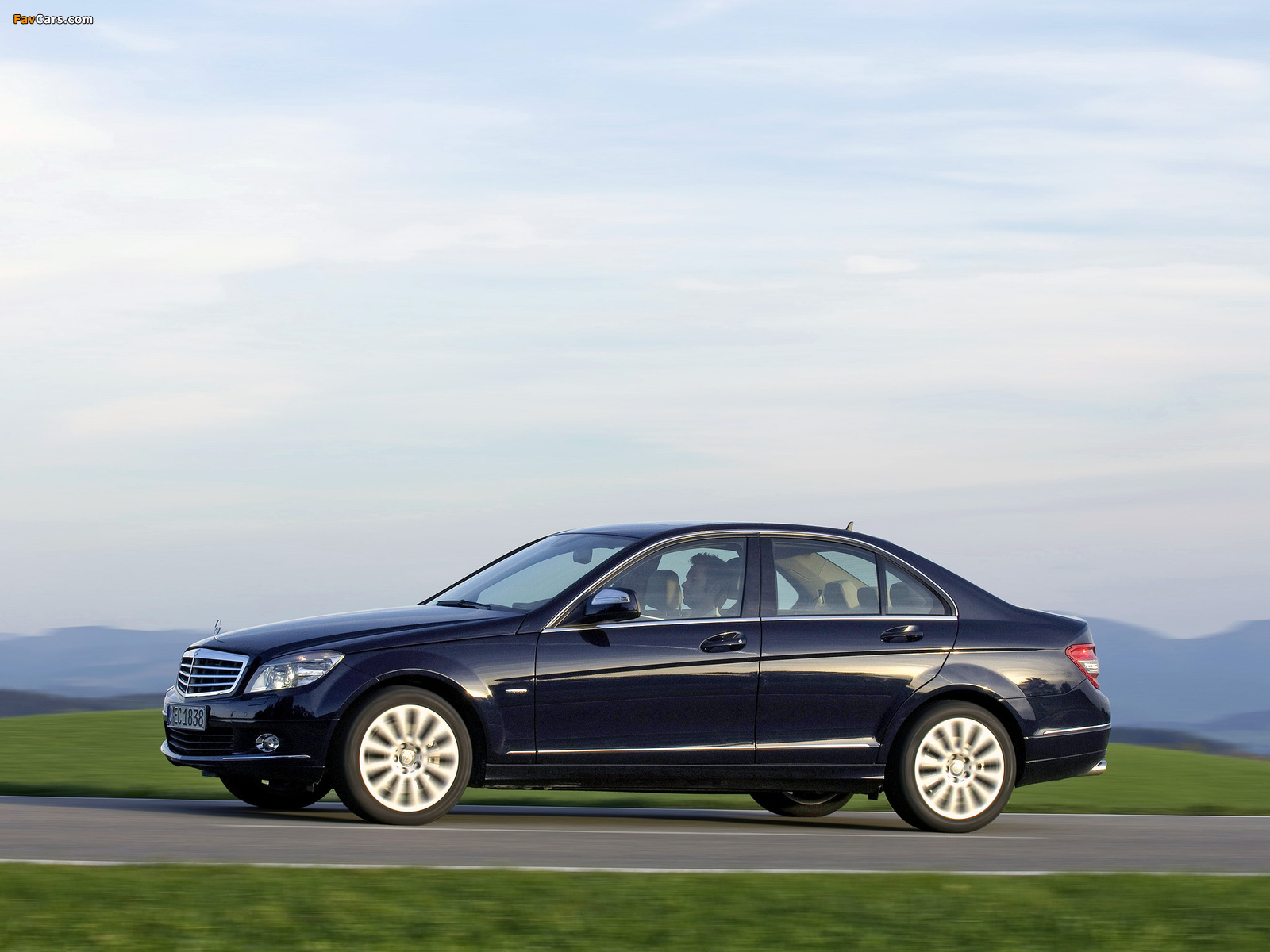 Mercedes-Benz C 350 4MATIC (W204) 2007–11 pictures (1600 x 1200)