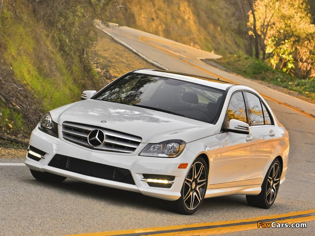 Mercedes-Benz C 300 4MATIC AMG Sports Package US-spec (W204) 2011 images (640 x 480)
