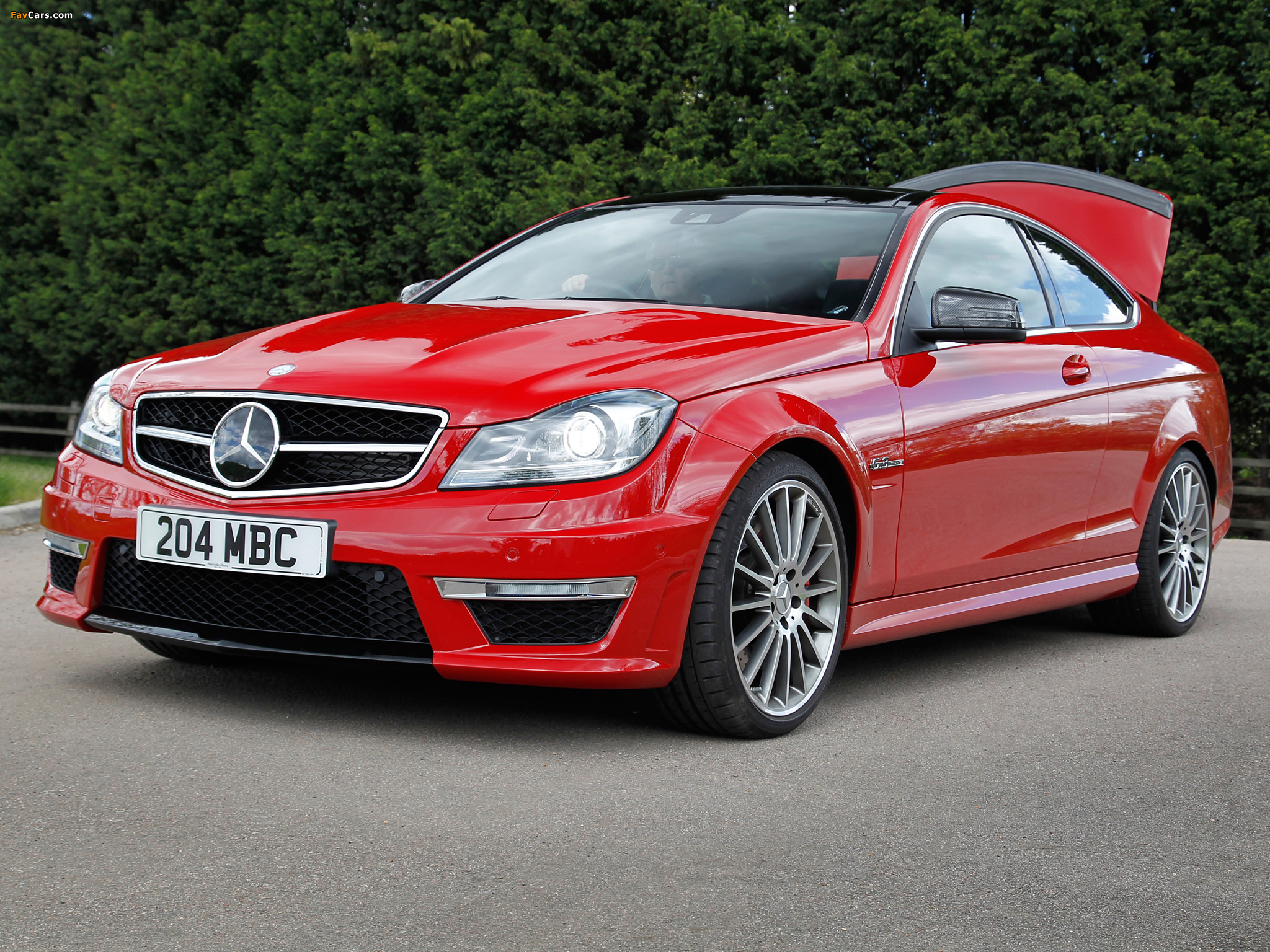 Mercedes-Benz C 63 AMG Coupe UK-spec (C204) 2011 photos (2048 x 1536)