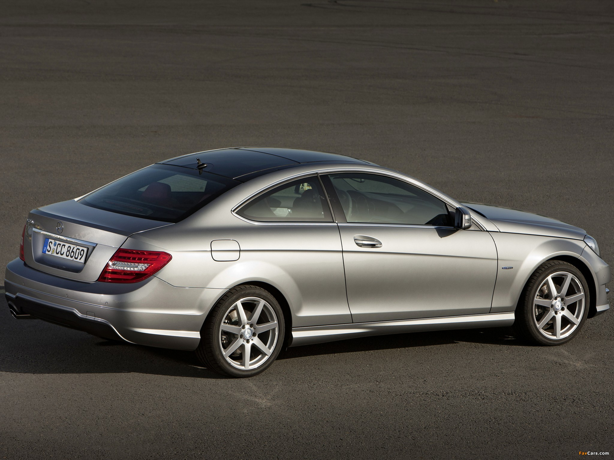 Mercedes-Benz C 250 Coupe (C204) 2011 pictures (2048 x 1536)
